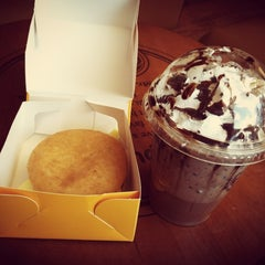 Photo taken at J.Co Donuts & Coffee by VeroNica W. on 7/14/2014
