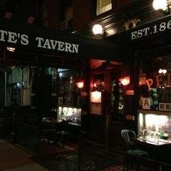 Photo taken at Pete's Tavern by Jeannie F. on 5/21/2013