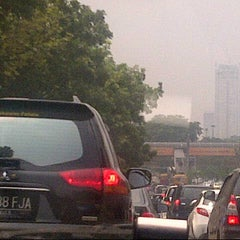 Photo taken at Jalan Jenderal Sudirman by Wentchy S. on 11/30/2012