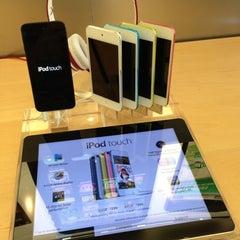 Photo taken at Apple Store, Carlsbad by Ryan B. on 10/17/2012