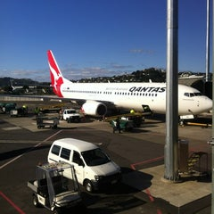 Photo taken at Qantas Club Lounge by Amanda L. on 9/21/2012