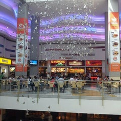 Photo taken at Los Molinos Centro Comercial by Paula Andrea G. on 10/9/2012