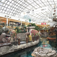 Photo taken at West Edmonton Mall by ShaiMaa A. on 7/29/2015