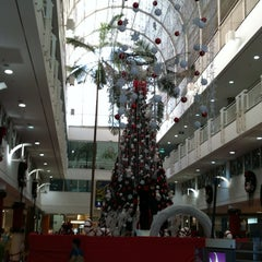 Photo taken at Center Shopping by Gracielle M. on 11/12/2012