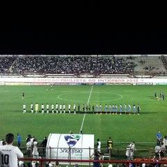 Foto tirada no(a) Estádio Romildo Vitor Gomes Ferreira por Jerusa A. em 10/3/2013