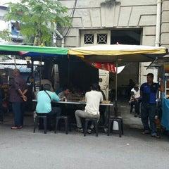 Photo taken at Mamak Stall Maybank Union Street by Azril x. on 11/30/2015