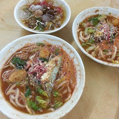 Photo taken at Laksa Shell Farlim by David L. on 4/14/2015