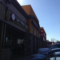 Photo taken at Starbucks by Yxes 💋🍂🍁 ☕. on 3/12/2013