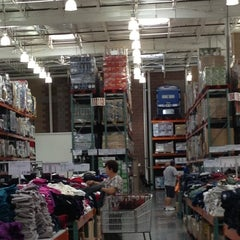 Photo taken at Costco by Yxes 💋🍂🍁 ☕. on 10/21/2012