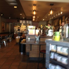 Photo taken at Starbucks by Yxes 💋🎉💃🏽🎊 ☕. on 4/20/2013