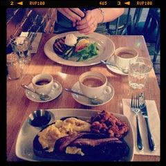 Photo taken at Workshop Coffee Co. by Joerg S. on 7/6/2013