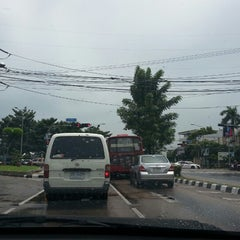 Photo taken at แยกนิด้า (NIDA Intersection) by Arch M. on 9/23/2013