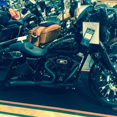 Photo taken at Jim's Harley-Davidson of St. Petersburg by Michael T. on 3/25/2015