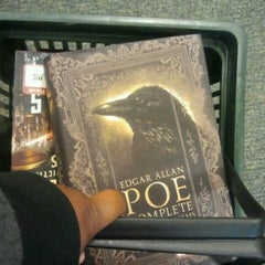 Photo taken at Barnes & Noble by Shauntil J. on 1/4/2013