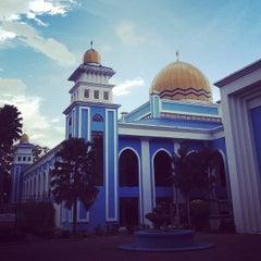 Photo taken at Masjid Al Rahimah Kuala Kubu Bharu by Muhi C. on 11/29/2012