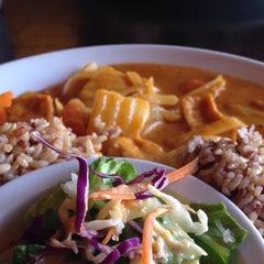 Photo taken at Street Side Thai Kitchen by Jennifer N. on 4/11/2015