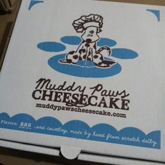 Photo taken at Muddy Paws Cheesecake by Jen J. on 1/30/2013