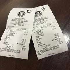 Photo taken at Starbucks (สตาร์บัคส์) by Junekung M. on 8/30/2015