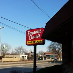 Photo taken at Famous Dave's by Paul G. on 3/31/2014