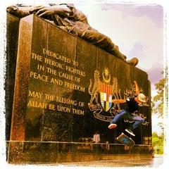 Photo taken at National Monument (Tugu Negara) by Wheel Love S. on 9/28/2013