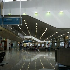 Photo taken at Aeroporto Internacional do Rio de Janeiro / Galeão (GIG) by Felipe S. on 11/15/2012