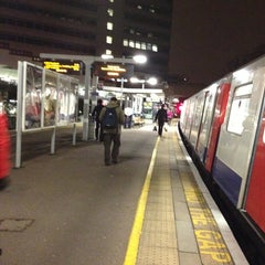 Photo taken at Gunnersbury London Underground and London Overground Station by Namer M. on 2/20/2013