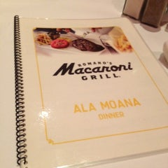 Photo taken at Romano's Macaroni Grill by Atsushi W. on 10/16/2012