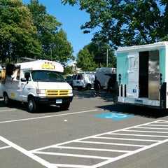 Photo taken at Hamden - Downtown Farmers' Market by Jim A. on 9/5/2014