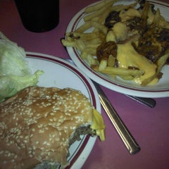 """Photo taken at Huddle House by Chris """"Frostbite"""" P. on 4/22/2013"""