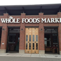 Photo taken at Whole Foods Market by Benno K. on 12/28/2012