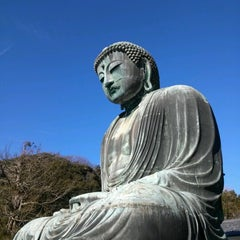 Photo taken at 鎌倉大仏 (Great Buddha of Kamakura) by Yuji I. on 1/1/2013
