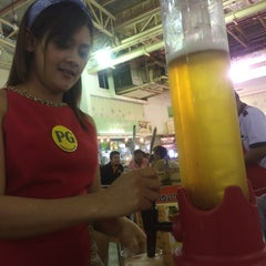Photo taken at ลานเบียร์ บิ๊กซี ดอนจั่น   Beer Garden at Big C by Saman T. on 7/2/2015