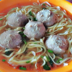 Photo taken at Bakso Awang Long by WiNDy WiNoVe•°🔱❤ on 2/4/2014