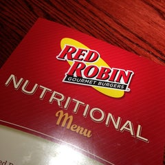 Photo taken at Red Robin Gourmet Burgers by Alejandrina D. on 1/18/2013
