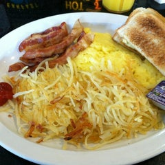 Photo taken at Barnside Diner by Paula L. on 9/26/2012