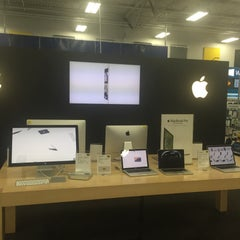 Photo taken at Best Buy by Ronald S. on 1/23/2015