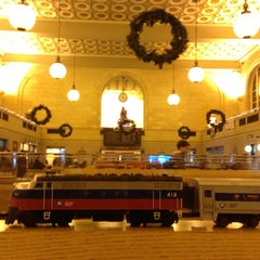 Photo taken at New Haven Union Station by Jimmy W. on 12/20/2012