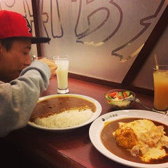 Photo taken at CoCo壱番屋   Curry House by Triston L. on 12/25/2013