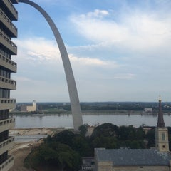 Photo taken at Drury Plaza Hotel - St. Louis at the Arch by Allie B. on 9/28/2015