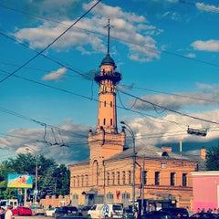 Photo taken at Метро Сокольники (metro Sokolniki) by Алексей on 6/13/2013