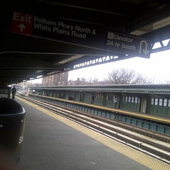 Photo taken at MTA Subway - Pelham Parkway (2/5) by Vickie F. on 3/20/2013
