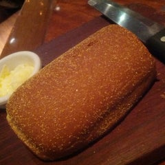 Photo taken at Outback Steakhouse by Marcelo P. on 11/11/2012