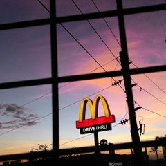 Photo taken at McDonald's by Ver E. on 3/7/2015