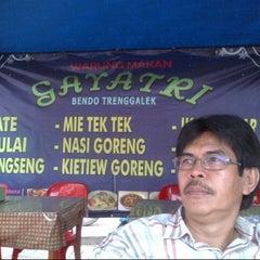 Photo taken at Warung Tenda Krakatau Junction by Ninick I. on 2/23/2013