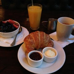 Photo taken at 1886 Café & Bakery by Tony P. on 12/7/2012