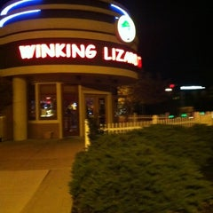 Photo taken at Winking Lizard Tavern by Joe P. on 10/10/2012