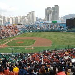 Photo taken at 사직야구장 (Sajik Baseball Stadium) by Gyuny J. on 3/30/2013