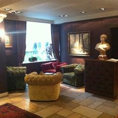 Photo taken at Grand Hotel Casselbergh by Tamara R. on 10/13/2012