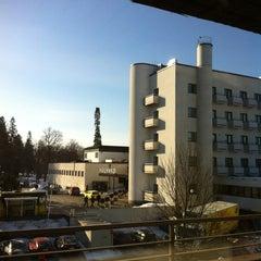 Photo taken at Kylpylähotelli Rantasipi Aulanko by Pauliina M. on 4/11/2013