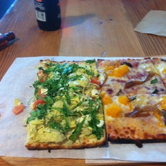 Photo taken at Jules Thin Crust by Kimberly A. on 12/16/2013